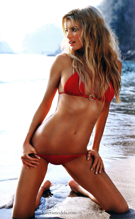 marketing-sexy-bikini-pics-of-marisa-miller