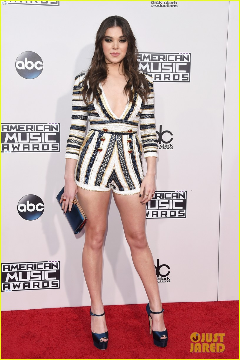 hailee steinfeld starving текст