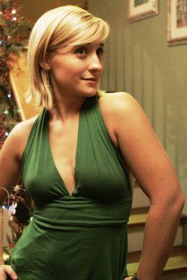 Chloe sullivan nude images 68