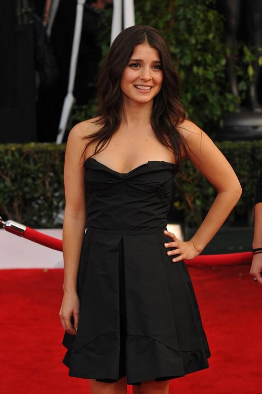 Kate Hudson wears denim dress to 'Clear History' premiere (Photos ...