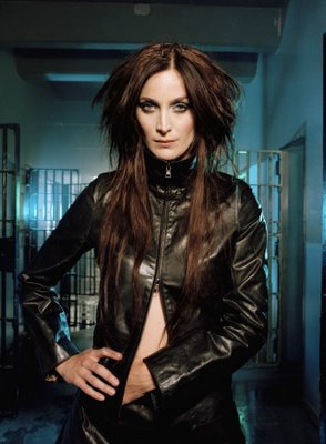 Carrie-anne moss naked retro photos