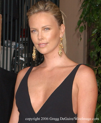 23 October 2011 Kristanna Loken vs Charlize Theron